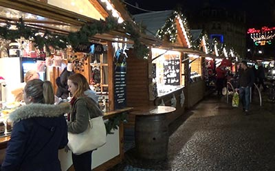 Several stalls of the Christmas market in Sheffield! I've got some nice presents for my family there.